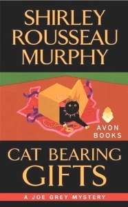 Cat Bearing Gifts, a Joe Grey cat mystery